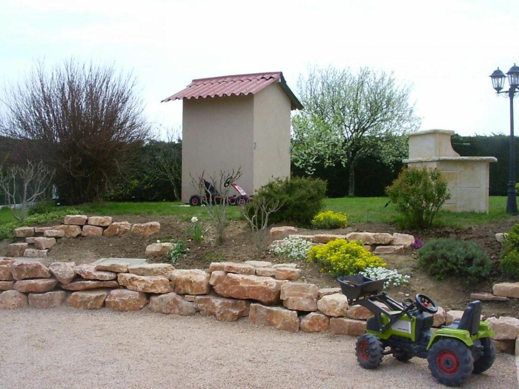 plantation enrochement paysages floreal paysagistes vaulx milieu. Black Bedroom Furniture Sets. Home Design Ideas